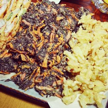 うちなー天ぷら - 魚やひじき、もずくなど沖縄の海産物を天ぷらに。南城市民のソウルフードです。