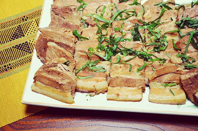 ラフテー - 豚肉の三枚肉を煮込んだお祝い料理。甘辛醤油味がたまりません。